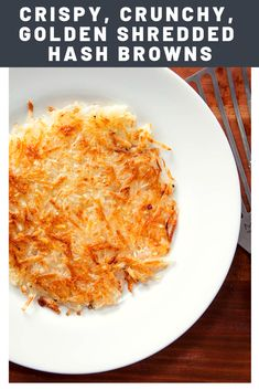 Wispy, golden, extra-crunchy hash browns—at your own house, not Waffle House. Shredded Hashbrown Recipes, Frozen Hashbrown Recipes, Frozen Hashbrowns, Shredded Hash Browns, Easy Hash Browns, Crispy Hash Browns, Home Made Hash Browns, Waffle House Hash Browns, Breakfast