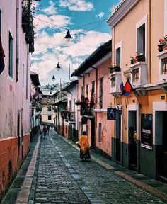Manado, Quito, The Good Place, Amazing Places, Instagram, Watercolor Art, Street, Fotografia, Centre