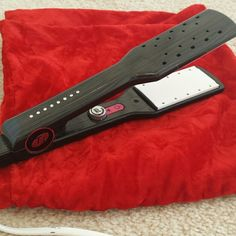 "T3 3522 Mane Tamer Flat Iron 1.75"" Flat Iron Used once Tourmaline ceramic infused plates heated by intelligent Tourmaline SinglePass Technology. T3 Accessories Hair Accessories"