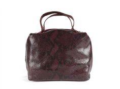 Excepcional bolso de tamaño mediano elaborado en piel vacuno bicolor de primera… El Salvador, Backpacks, Fur, Totes