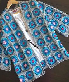 Ruth Johnson's media content and analytics Crochet Dog Sweater, Crochet Coat, Crochet Cardigan Pattern, Crochet Jacket, Crochet Blouse, Love Crochet, Crochet Clothes, Crochet Baby, Crochet Squares