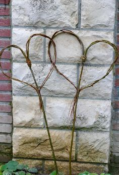 Heart pin made of willow – Karin Urban – NaturalSTyle – Garden Projects Garden Deco, Gnome Garden, Garden Art, Garden Design, Terrace Garden, Garden Planters, Succulents Garden, Herb Garden, Vegetable Garden
