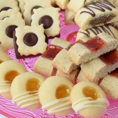 Mördegskakor   Älska att Baka   Bloglovin' Swedish Cookies, Cake Bites, Fika, Sugar Rush, Cookie Desserts, Cake Pops, Baking Recipes, Delicious Desserts, Sushi