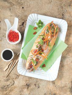 Proslavený vietnamský sendvič byl inspirován francouzskou kuchyní. Když si s přípravou masa a paštiky vyhrajete, věřte, že se to na chuti projeví. Thing 1, Mexican, Lunch, Ethnic Recipes, Kitchen, Food, Cooking, Eat Lunch, Kitchens