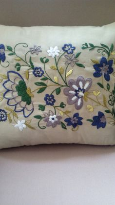 Cushion Embroidery, Embroidery Sampler, Crewel Embroidery, Cross Stitch Embroidery, Embroidery Patterns, Embroidered Pillowcases, Embroidered Cushions, Hungarian Embroidery, Brazilian Embroidery