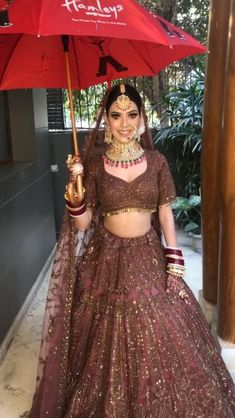 Party Wear Indian Dresses, Indian Bridal Outfits, Pakistani Bridal Dresses, Dress Indian Style, Indian Fashion Dresses, Wedding Lehenga Designs, Designer Bridal Lehenga, Indian Wedding Video, Wedding Videos