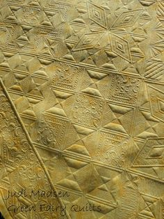 Quilting Board, Longarm Quilting, Free Motion Quilting, Quilting Ideas, Whole Cloth Quilts, Machine Quilting Designs, Green Quilt, Quilt Stitching, Mellow Yellow