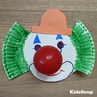Projekt Karneval und Fasching Kindergarten und Kita-Ideen Carnival and Mardi Gras kindergarten project and daycare ideas Halloween Crafts For Toddlers, Easy Halloween, Toddler Crafts, Preschool Crafts, Diy And Crafts, Crafts For Kids, Paper Crafts, Clown Crafts, Circus Crafts