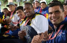 Maduro condecoró atletas participantes en Juegos Sordolímpicos 2017
