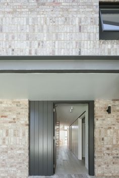 Image 5 of 14 from gallery of House Maher / Tribe Studio. Photograph by Katherine Lu Tropical Architecture, Architecture Details, Modern Architecture, Modern Barn House, White Wash Brick, Architect House, Brickwork, House Design, Beach House