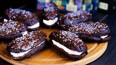 Cookies, Chocolate, Food, Crack Crackers, Biscuits, Schokolade, Cookie Recipes, Chocolates, Meals