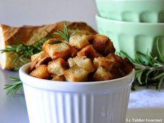 Pour sublimer tous vos potage et veloutés, ne jetez plus votre pain rassis ! Faites-en des croûtons à la mode Philippe Etchebest !