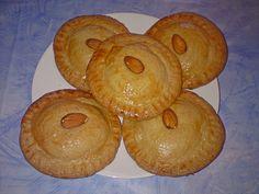 Gefüllte Kuchen - gevulde koeken, ein beliebtes Rezept aus der Kategorie Kuchen. Bewertungen: 4. Durchschnitt: Ø 4,0.