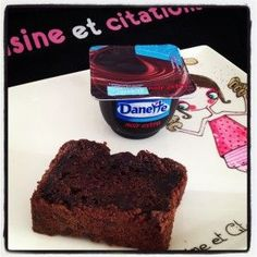 Voici une petite recette bien sympathique qui circule pas mal sur le net en ce moment. Il s'agit de gâteau à la crème dessert Danette. J'ai pour ma part choisi de la Danette extra noir car j'aime le chocolat ! Mais libre à vous d'en faire à la vanille,...
