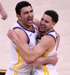BACK-TO-BACK CHAMPS; 6/8/18 For second-straight year and third time in four seasons, #KevinDurant, #StephenCurry, #DraymondGreen and #KlayThompson of Golden State Warriors are NBA Champions completing series sweep of Cleveland Cavaliers 108-85 in Game 4 of the 2018 Finals. Photo Credit SFGate SF Chronicle Instagram USA Today Nba Players, Basketball Players, Basketball Wall, Sports Teams, Kobe Bryant Lebron James, Quicken Loans Arena, Nba Stephen Curry, Splash Brothers, Nba Chicago Bulls