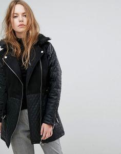 ¡Consigue este tipo de chaqueta de cuero de New Look ahora! Haz clic para  ver los detalles. Envíos gratis a toda España. Chaqueta biker larga y  acolchada de ... 9ffe9798b3a0