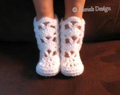 Crochet Pattern 181 Elegant Boots for 18 inch Doll Crochet Boot Pattern Crochet Patterns White Boots American Girl Doll My Life As Doll Crochet Doll Clothes, Girl Doll Clothes, Doll Clothes Patterns, Crochet Dolls, Barbie Clothes, Crochet Boots Pattern, Diy Crochet Patterns, Crochet Shoes, Crochet Converse