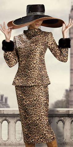Donna Vinci Couture - Women's Animal Print Suit (I Love Cheetah print, but the hat is too wide for my style) Leopard Fashion, Animal Print Fashion, Fashion Prints, Animal Prints, Fashion Mode, Womens Fashion, Catwalk Fashion, 1950s Fashion, Leopard Print Skirt