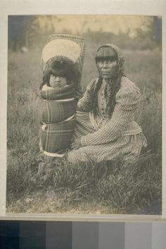 Susie McGowan and her daughter Sadie - Mono – 1901