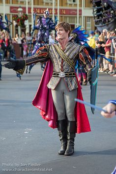 Disney Character Cosplay WDW Dec 2014 - Disney Festival of Fantasy Parade Disney Men, Disney Love, Disney Parks, Walt Disney, Funny Disney, Prince Philip Disney, Prince Phillip, Disney Cosplay, Disney Prince Costume