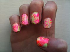 marble nails, awesome!
