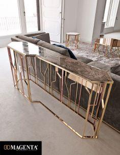 Consola metal dorado y marmol