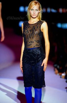 AMBER VALLETTA Fashion Oops, Amber Valletta, Transparent Clothes, Gianni Versace, Supermodels, Runway, Womens Fashion, Tights, How To Wear