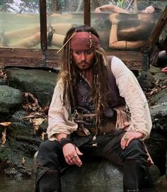 """Behind the scenes photo of Johnny Depp as Captain Jack Sparrow and Àstrid Bergès-Frisbey as Syrena in Disney's """"Pirates of the Caribbean: On Stranger Tides"""" Captian Jack Sparrow, Celine Dion, On Stranger Tides, Handsome Jack, Here's Johnny, Johnny Depp Movies, Johny Depp, Pirate Life, Film Serie"""