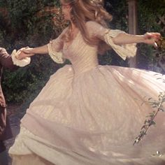 Looking Through Rose Colored Glasses — mostbeautifulgirlscaps: Blythe Danner, Virginia. aesthetic girl Looking Through Rose Colored Glasses Angel Aesthetic, Aesthetic Vintage, Aesthetic Dark, Aesthetic Outfit, Aesthetic Clothes, Aesthetic Fashion, Makeup Aesthetic, Vestidos Vintage, Vintage Dresses