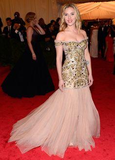 Scarlett Johansson at the Met Gala 2012 #style #redcarpet #harpersbazaar #fashion #partysnaps #glamour
