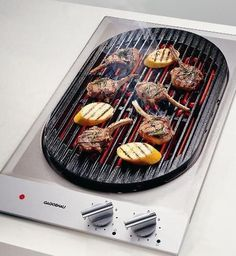 Gaggenau ,The VR 230 electric grill allows you barbecue meat, and fish right into your home, and can be also used for roasting, pot roasting and keeping prepared food warm. The two 1500 W grilling elements have their separate infinitely adjustable temperature controls with nine power levels for each element allowing you cook virtually every kind of food at its specific temperature.