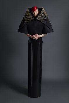 https://www.vogue.com/fashion-shows/spring-2018-ready-to-wear/gareth-pugh/slideshow/collection