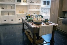 44 best Chicago Showroom images on Pinterest | Showroom, Chicago and ...