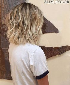 40 best messy short hair ideas for 2019 . - 40 best messy short hair ideas for 2019 to … the - Shaved Bob, Brown Blonde Hair, Blonde Wig, Blonde Balayage Bob, Blonde Highlights Short Hair, Short Blonde Bobs, Wavy Bobs, Medium Blonde Bob, Messy Blonde Bob
