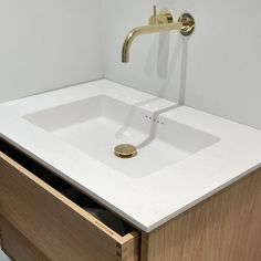 Snedker Bad Koncept møbel til dit Badeværelse Sink, Vanity, The Originals, Bathroom, Wood, Flat, Home Decor, Bathing, Sink Tops