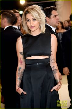 Paris Jackson (age 19) at 2017 MET Gala in New York, 1st of May, 2017.