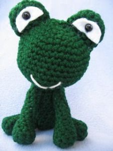 22 Frog Free Crochet Amigurumi Patterns from https://freeamigurumipatterns.wordpress.com/category/frog/