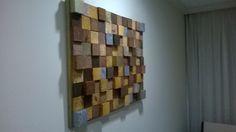 Painel tridimensional em pedaços de madeira, medindo 80 cm (Largura) X 60 cm (Altura)
