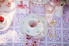 The Frosted Petticoat: Dream Tea