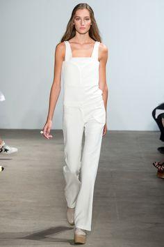 See the Derek Lam Spring 2015 runway show on Vogue.com.