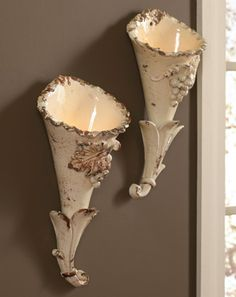 Terra Cotta Tuscan Sconces----I would use one as a long stemmed match to hange beside a fireplace. Tuscan Design, Tuscan Style, Tuscan Decorating, Decorating Your Home, Brown Decor, Tuscan House, Hand Thrown Pottery, Italian Pottery, Toscana