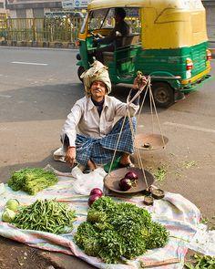 Street market vendor in Netaji Subhash Road, Delhi, India