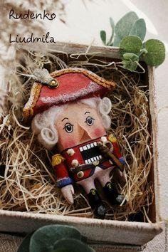 Christmas Tree Toy, Nutcracker Christmas, Christmas Mood, Xmas Tree, Christmas Projects, Christmas And New Year, Handmade Christmas, Vintage Christmas, Christmas Ornaments