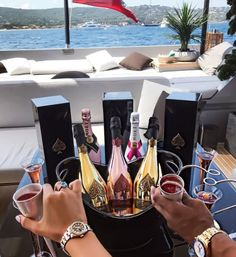 Image by aჳεթδαйðжαηка✓ rich couple, quotes motivation, motivation inspiration, rich lifestyle, Boujee Lifestyle, Wealthy Lifestyle, Luxury Lifestyle Fashion, Billionaire Lifestyle, Rich Couple, Classy Couple, Girly, Luxe Life, Junior