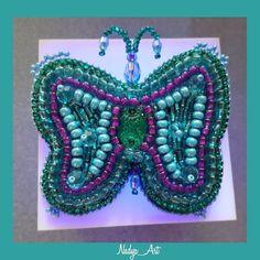 Бабочка. Брошь бабочка. Butterfly brooch. (@nadya_art_handmade) в Instagram: «🦋🦋🦋 Какую бы бабочку я не задумала- всё одно, получится в этом цвете😊. Выполнена люневильским…»