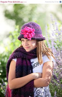 SALE Flowered cloche and scarf set by WritingPlaces on Etsy, $17.00