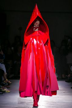 """This Comme des Garçons look is an easy reference point for the nameless creatures (a k a Those We Don't Speak Of) in M.Night Shyamalan's """"The Village"""" or Red Riding Hood. (Photo: Nowfashion)"""