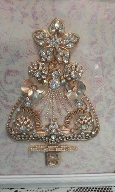 christmas tree with vintage rhinestone chain, very nice element