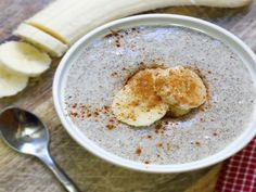 This blended porridge reminds me of Cream of Wheat! (Paleo & Vegan)- Sandy's update Needed more chia seeds but good flavor. Chia Pudding Breakfast, Breakfast Desayunos, Breakfast Recipes, Breakfast Porridge, Detox Recipes, Raw Food Recipes, Vanilla Chia Pudding, Chai Pudding, Vanilla Chai