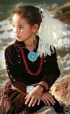 Naabeehó Bináhásdzo (Navajo Nation) Native American Children, Native American Warrior, Native American Wisdom, Native American Clothing, Native American Pictures, Native American History, American Indian Art, American Indians, Navajo Clothing